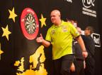 Dart - Premier League: mecz na szczycie dla van den Bergha, kolejny triumf Gerwena