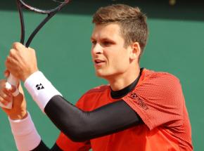 Tenis - ATP Rotterdam: przegrana Hurkacza z Tsitsipasem w II rundzie