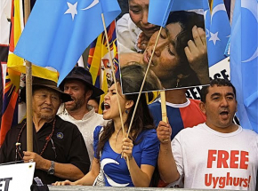 Holenderski parlament: traktowanie Ujgurów przez Chiny równoznaczne z ludobójstwem