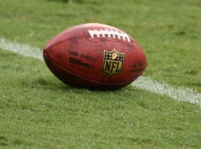 Futbol Amerykański - NFL: Chiefs wysłali Browns do domu, Brady lepszy od Breesa
