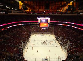 NHL: wysoka wygrana Flyers, zacięty mecz w Las Vegas