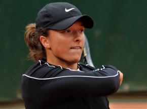 Tenis - WTA Adelajda: triumf Igi Świątek! Belinda Bencić bez szans!