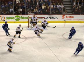NHL: Golden Knights nie dali szans Avalanche, ważne zwycięstwo Lightning