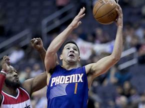 NBA: zwycięski rzut Bookera, wygrana Hornets po dogrywce