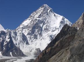 K2: himalaiści bezpieczni w C4, decyzja o kontynuowaniu zejścia [AKTUALIZACJA]
