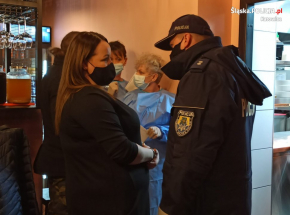 Katowice: restauracja działała pomimo zakazu. Otwarcie ogłosiła na Facebooku