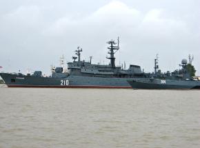 Dwa rosyjskie okręty desantowe pojawiły się na Morzu Czarnym