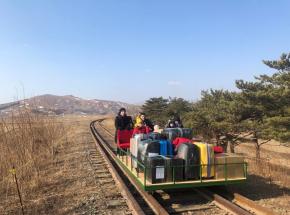 Korea Północna: dyplomaci z Rosji wracali do kraju drezyną