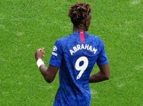 Puchar Anglii: hat-trick Abrahama przeciwko Luton