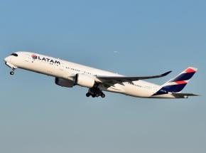Wielka Brytania: zakaz lotów z Ameryki Południowej i Portugalii