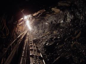 Rosja: zginęło 3 górników wskutek wyrzutu metanu