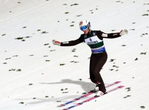 Skoki narciarskie - PŚ: miksty dla Norwegii, Polska siódma