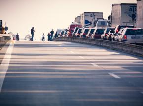 Chiny: 11 osób zginęło wskutek zderzenia autobusu z ciężarówką
