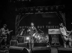 Nothing But Thieves przekładają trasę koncertową po Europie Wschodniej