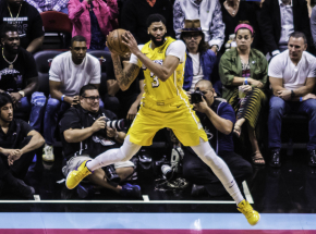 NBA: Lakers wygrali po dogrywce, Warriors pokonali Suns