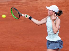 Tenis - WTA Rzym: awans Świątek po kreczu Riske, porażka Linette