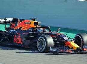 F1: piątkowe treningi dla Red Bulla, słabe tempo Mercedesa
