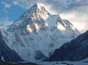 K2: Polak zmuszony do ewakuacji