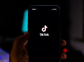 Włochy: TikTok zablokowany po śmierci 10-latki biorącej udział w wyzwaniu