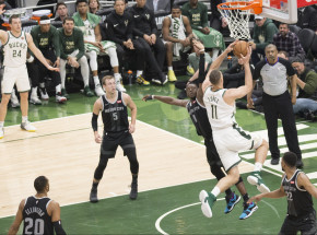 NBA:  Bucks lepsi od Mavericks w hicie