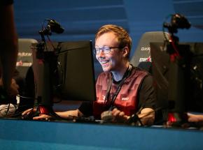 CS:GO: chrisJ nowym prowadzącym w FunPlus Phoenix