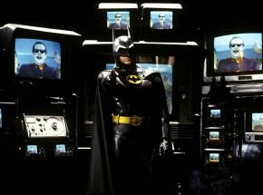 """Odświeżony strój Batmana na nowej grafice z filmu """"The Flash"""""""