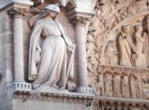 Adopcja kamiennych stworzeń Notre-Dame, aby pomóc w ich odbudowie
