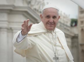 Watykan: Papież Franciszek oraz jego poprzednik zaszczepieni przeciw COVID-19