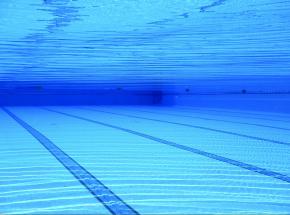 Australia: wyciek chloru na basenie publicznym. 6 osób przetransportowano do szpitala
