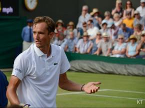 Australian Open: faworyci z awansem do 1/8, męczarnie Miedwiediewa
