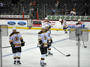 NHL: Bruins górą w hicie, Canadiens pokonali Canucks