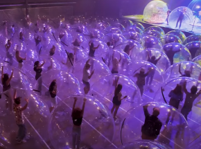 Pandemiczny koncert The Flaming Lips w... plastikowych bańkach