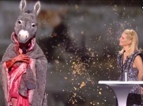 Cezary 2021: aktorka Corinne Masiero rozebrała się na scenie w ramach protestu