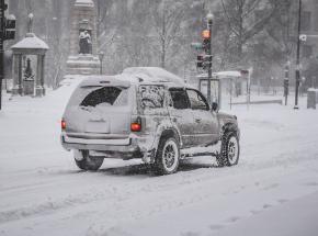 Należy zrezygnować z solenia chodników zimą - apel aktywistów do władz Warszawy