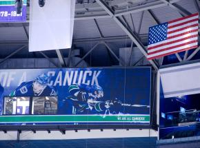 NHL: Canucks pokonali lidera, fantastyczna seria Golden Knights