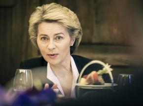 """Ursula von der Leyen popiera pomysł """"świadectwa szczepień"""""""