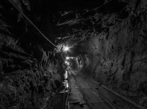 Chiny: 21 górników zostało uwięzionych w kopalni