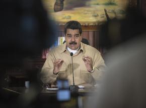 """Wenezuela: """"cudowne krople"""" do walki z COVID-19. Maduro przedstawia nowy lek"""