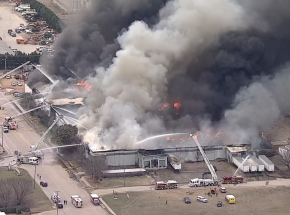 Teksas: pożar zakładu recyklingu w hrabstwie Tarrant