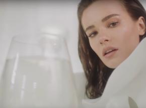"""Natalia Szroeder zaskakuje kolejnym singlem – premiera """"Połóż się tu"""""""