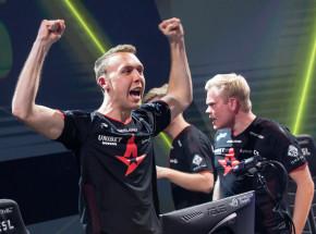 CS:GO: ogłoszono format i pierwsze mecze BLAST Premier Global Final