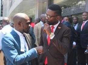 Uganda: Bobi Wine przebywa w areszcie domowym