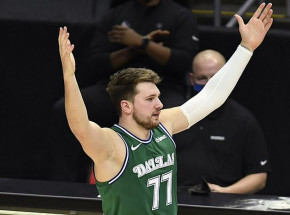 NBA: Mavs pokonali Wizards, triple-double Doncicia
