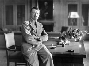 """Edycja krytyczna """"Mein Kampf"""" ukaże się w Polsce"""