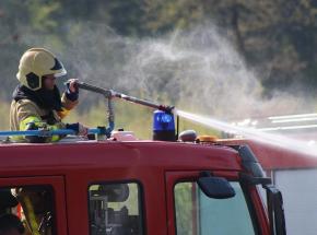 Warszawa: pożar mieszkania na Stegnach. Nie żyje jedna osoba