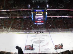 NHL: grad goli w meczu Calgary Flames z Edmonton Oilers, czwarta porażka Vancouver Canucks