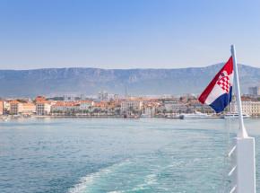 Chorwacja: duży wzrost zachorowań na COVID-19 po otwarciu lokali gastronomicznych