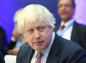 Wielka Brytania: kontrowersje wokół paszportów szczepionkowych