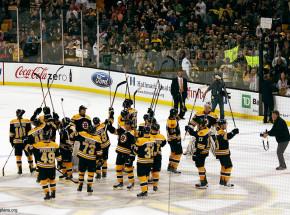 NHL: Bruins znów zwycięscy, Sharks wygrali po karnych