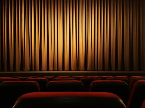 """Teatr Telewizji: spektakl """"Przybysz"""""""